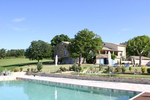 Villa - ONGLES